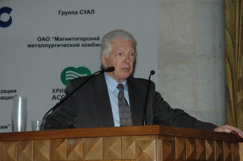 Выступление д.м.н., профессора лаборатории физических факторов ФГБУ «НИИ медицины труда» РАМН Юрия Петровича ПАЛЬЦЕВА (2006)